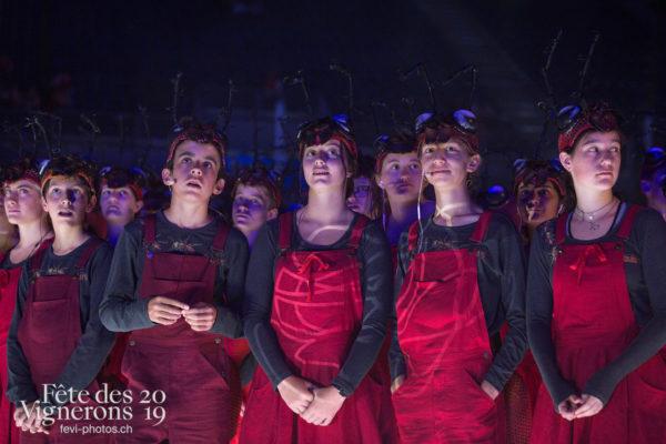 Filage en costume du 10 juillet 2019, fête des vignerons 2019 - Choristes-percussionnistes, Fourmis, percu-choristes, Percussionnistes, Répétitions, Sauterelles, Photographies de la Fête des Vignerons 2019.
