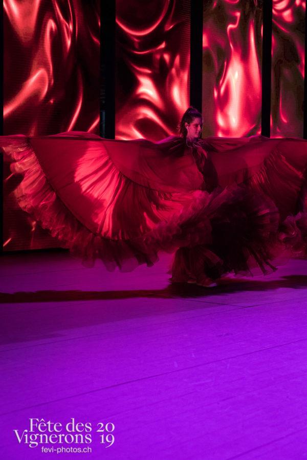 Filage en costume du 10 juillet 2019, fête des vignerons 2019 - Flammes, Loïe Fuller, Répétitions, Photographies de la Fête des Vignerons 2019.