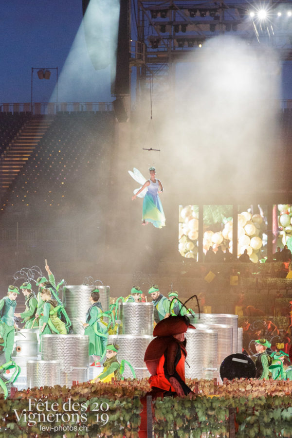 Représentation presse - Choristes-percussionnistes, Fourmis, Libellule, Percussionnistes, Représentation, Sauterelles, Vendanges, Photographies de la Fête des Vignerons 2019.