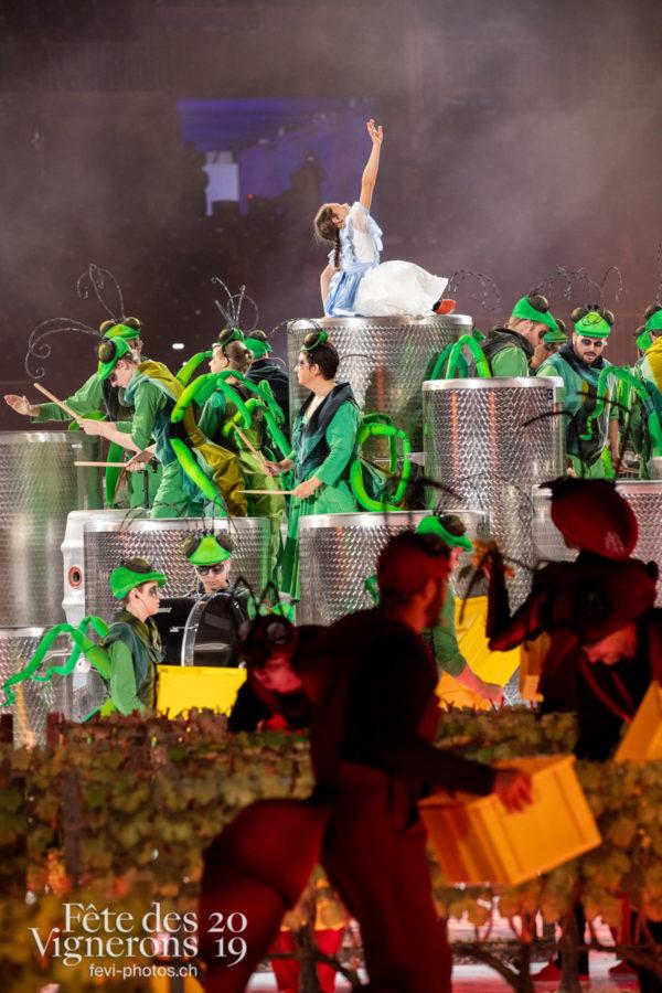 Représentation presse - Libellule, Percussionnistes, Petite Julie, Représentation, Sauterelles, Vendanges, Photographies de la Fête des Vignerons 2019.
