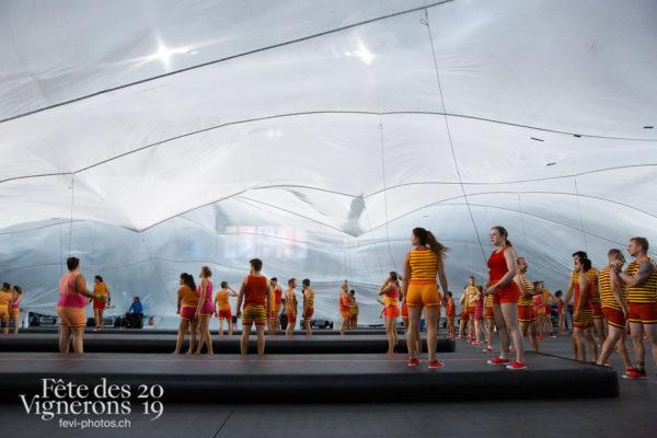 Filage en costumes - Poésie de l'eau, Sport Flammes, Photographies de la Fête des Vignerons 2019.