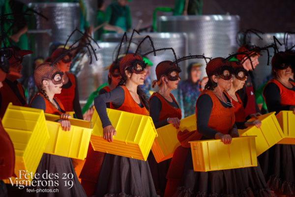 Filage en costumes - Choristes-percussionnistes, Filage, Fourmis, Répétitions, Vendanges, Photographies de la Fête des Vignerons 2019.