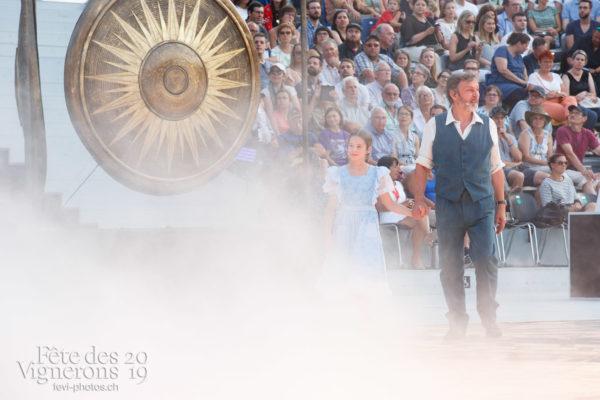 Spectacle jour - Grand-père, Météo types, Michel Voïta, Petite Julie, Spectacle, Spectacle jour, Trois soleils, Photographies de la Fête des Vignerons 2019.