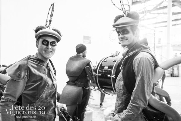 07-16_rue_JulieM-2571 - Choristes-percussionnistes, Fourmis, percu-choriste, Percussionnistes, Sauterelles, Photographies de la Fête des Vignerons 2019.