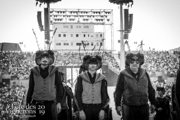 07-18_couronnement_©JulieMasson-5750 - Choristes-percussionnistes, Fourmis, percu-choriste, Percussionnistes, Sauterelles, Spectacle, Photographies de la Fête des Vignerons 2019.