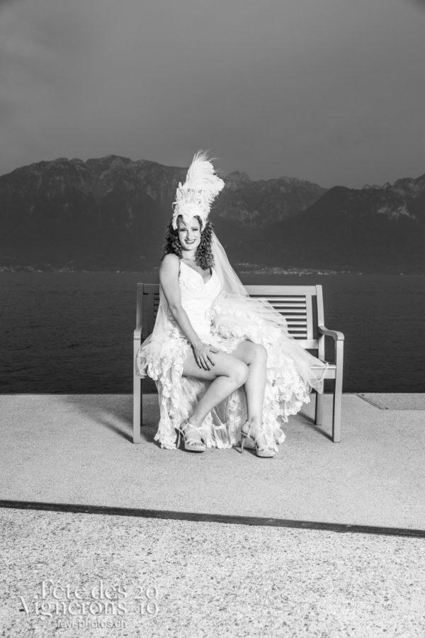 banc bleu Aline Raboud - Banc bleu, Mariés de la Noce, Studio, Photographies de la Fête des Vignerons 2019.