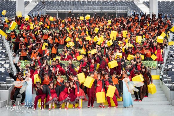 08-02_groupe_percu_choristes_JulieM-0914 - Chefs des choeurs, Choristes-percussionnistes, Fourmis, groupe, percu-choristes, Percussionnistes, Sauterelles, Photographies de la Fête des Vignerons 2019.