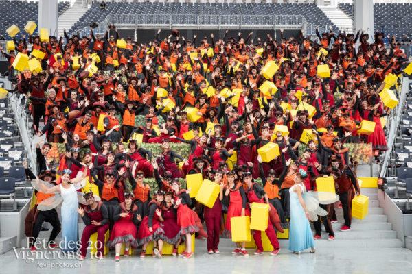 08-02_groupe_percu_choristes_JulieM-0916 - Chefs des choeurs, Choristes-percussionnistes, Fourmis, groupe, percu-choriste, Percussionnistes, Sauterelles, Photographies de la Fête des Vignerons 2019.