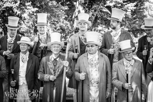 08-03_groupe_confrérie_JulieM-4690 - Abbé & Conseil, Abbé Président, Conseil de la Conférie des Vignerons, François Margot, groupe, Photographies de la Fête des Vignerons 2019.