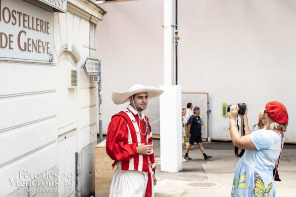 08-05_rues_photoshop_©JulieMasson-2-45 - Cent pour Cent, Rue, Photographies de la Fête des Vignerons 2019.