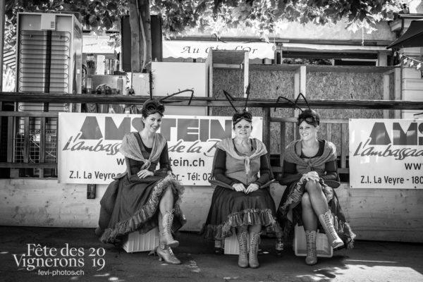 08-05_rues_photoshop_©JulieMasson-2-9 - Choristes-percussionnistes, Fourmis, percu-choristes, Percussionnistes, Rue, Sauterelles, Photographies de la Fête des Vignerons 2019.