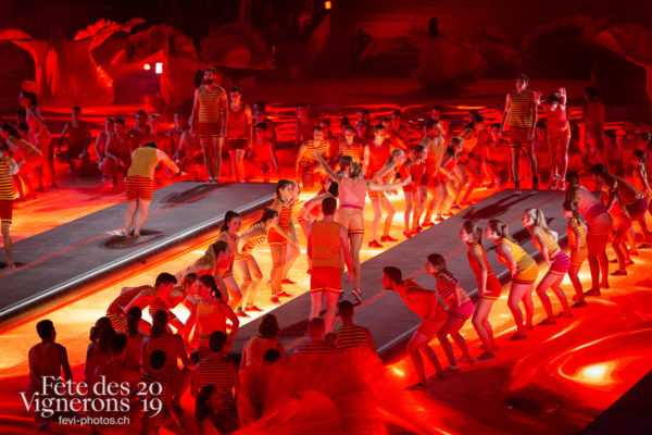08-08_spectacle_photoshop©JulieMasson-7325 - Flammes, J'arrache, Loïe Fuller, Spectacle, Sport Flammes, Photographies de la Fête des Vignerons 2019.