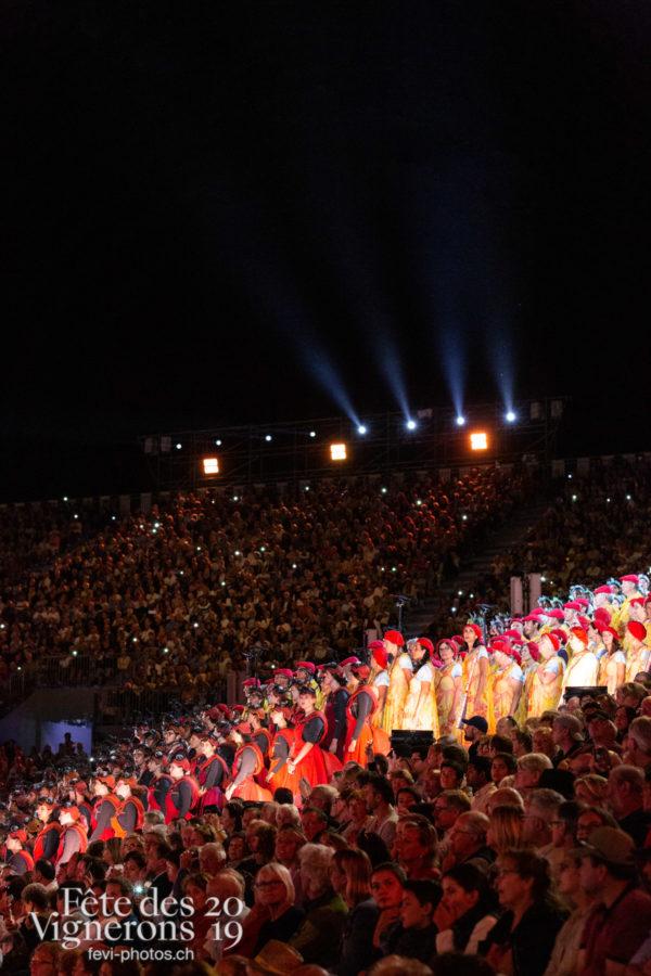 08-08_spectacle_photoshop©JulieMasson-7385 - Choristes-percussionnistes, Fourmis, percu-choriste, Percussionnistes, Sauterelles, Spectacle, Photographies de la Fête des Vignerons 2019.