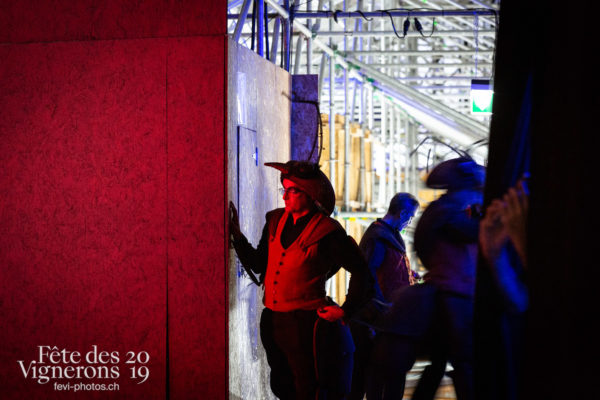 08-09_rue_coulisses_photoshop_©JulieMasson-9274 - Choristes-percussionnistes, Coulisses, Fourmis, percu-choristes, Percussionnistes, Sauterelles, Photographies de la Fête des Vignerons 2019.