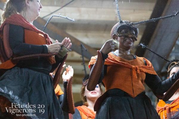 08-09_rue_coulisses_photoshop_©JulieMasson-9347 - Choristes-percussionnistes, Coulisses, Fourmis, percu-choristes, Percussionnistes, Sauterelles, Photographies de la Fête des Vignerons 2019.