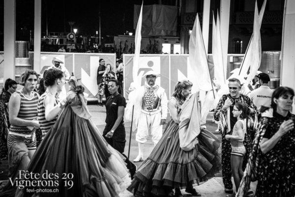 08-10_coulisses_photoshop_©JulieMasson-0683 - Coulisses, Oriflammes, Trois soleils, Photographies de la Fête des Vignerons 2019.