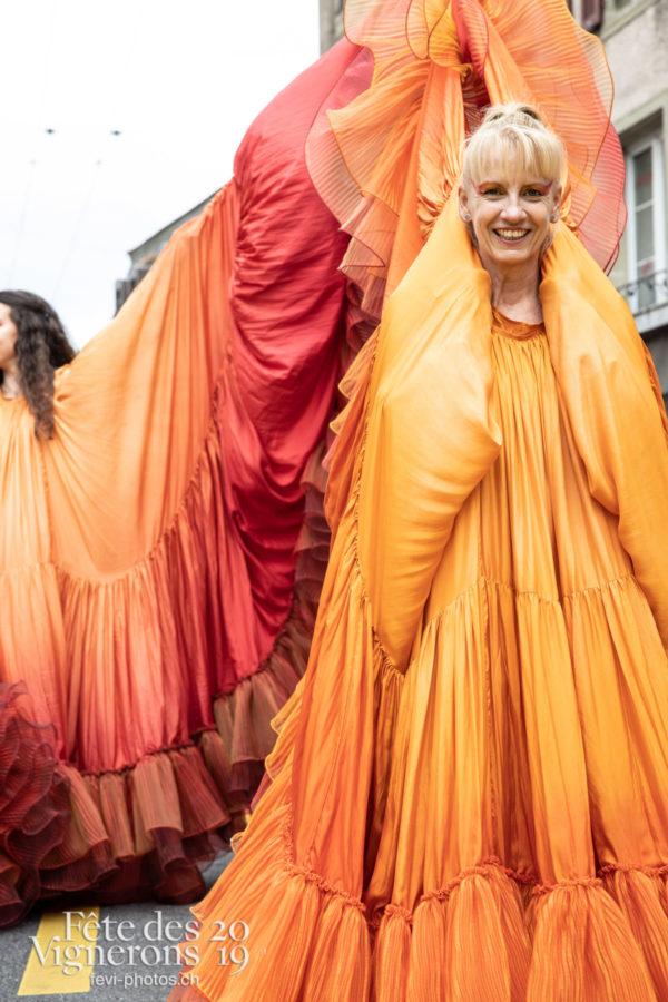 08_10_cortege_photoshop_©JulieMasson-0226 - Cortège, Flammes, Loïe Fuller, Photographies de la Fête des Vignerons 2019.