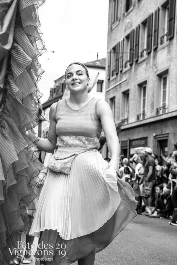 08_10_cortege_photoshop_©JulieMasson-0244 - Cortège, Flammes, Loïe Fuller, Photographies de la Fête des Vignerons 2019.