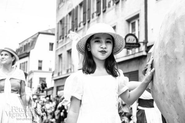 08_10_cortege_photoshop_©JulieMasson-0277 - Cortège, Effeuilleuses, Saint-Martin, Photographies de la Fête des Vignerons 2019.