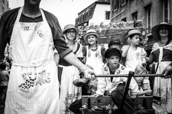 08_10_cortege_photoshop_©JulieMasson-0318 - Cortège, Effeuilleuses, Saint-Martin, Photographies de la Fête des Vignerons 2019.