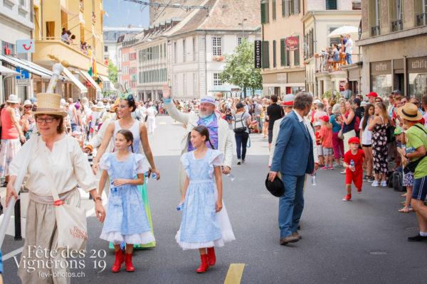 Cortège de la Confrérie - Cortège, Cortèges Confrérie, Grand-père, Libellule, Michel Voïta, Petite Julie, Photographies de la Fête des Vignerons 2019.