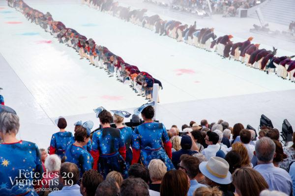 Spectacle - Bourgeons, Hommes du premier printemps, Larmes, Spectacle, Photographies de la Fête des Vignerons 2019.