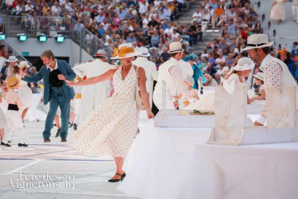 Spectacle - Grand-père, Michel Voïta, Noce, Spectacle, Photographies de la Fête des Vignerons 2019.
