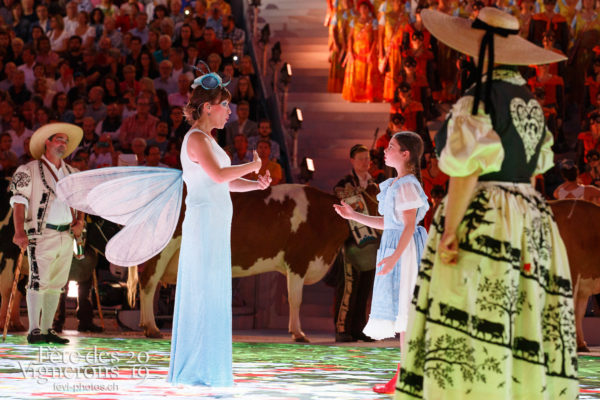 Spectacle - Armaillis, Chefs des choeurs, Hommes de lait, Petite Julie, Ranz des vaches, Spectacle, Photographies de la Fête des Vignerons 2019.