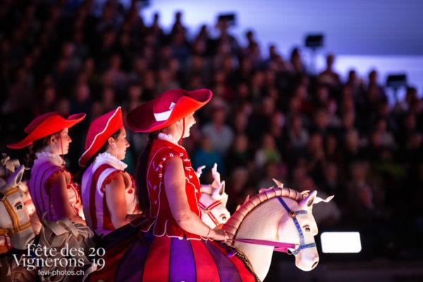 2019-08-02_spectacle_21h00_photoshop_JulieM-4859 - Cent pour Cent, Faux chevaux, Spectacle, Photographies de la Fête des Vignerons 2019.