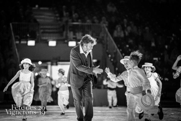 2019-08-02_spectacle_21h00_photoshop_JulieM-5076 - Grand-père, Michel Voïta, Noce, Spectacle, Photographies de la Fête des Vignerons 2019.