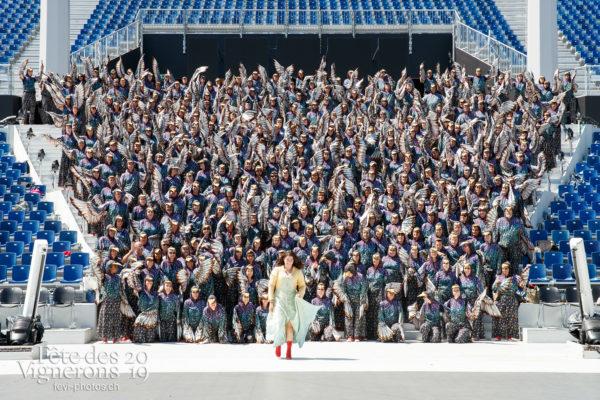 Photo de groupe des Etourneaux - Etourneaux, groupe, Messagère, Photographies de la Fête des Vignerons 2019.