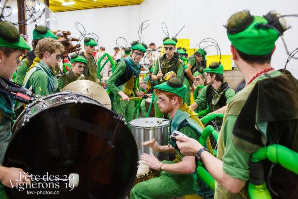 Coulisses - Coulisses, Percussionnistes, Sauterelles, Photographies de la Fête des Vignerons 2019.