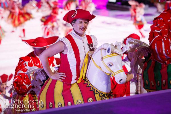 Spectacle - Cent pour Cent, Faux chevaux, Spectacle, Photographies de la Fête des Vignerons 2019.
