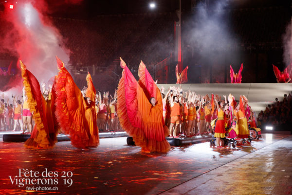 Spectacle - Flammes, J'arrache, Loïe Fuller, Spectacle, Sport Flammes, Photographies de la Fête des Vignerons 2019.