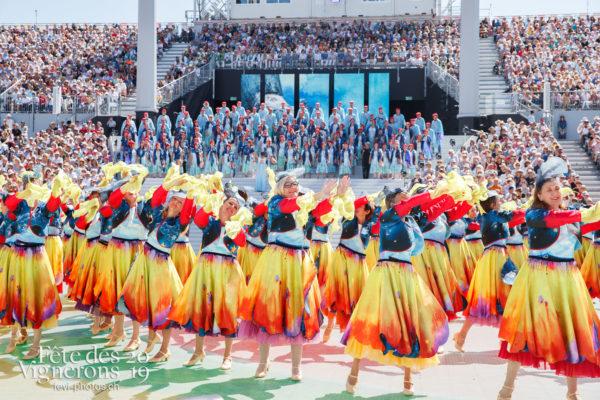 Spectacle de jour, dernière représentation - Bourgeons, Chœurs de la Fête, Musiciens de la Fête, Spectacle, Spectacle jour, Photographies de la Fête des Vignerons 2019.