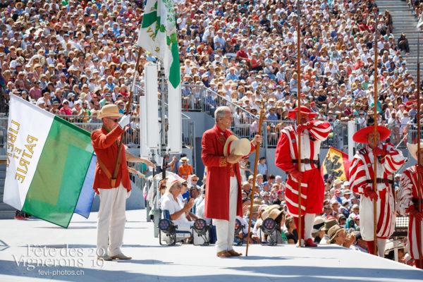 Spectacle de jour, dernière représentation - Abbé Président, Cent suisses, François Margot, Spectacle, Spectacle jour, Trois Soleils Couronnement, Photographies de la Fête des Vignerons 2019.