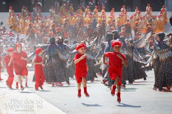 Spectacle de jour, dernière représentation - Enfants protecteurs, Etourneaux, Protection de la vigne, Spectacle, Spectacle jour, Photographies de la Fête des Vignerons 2019.
