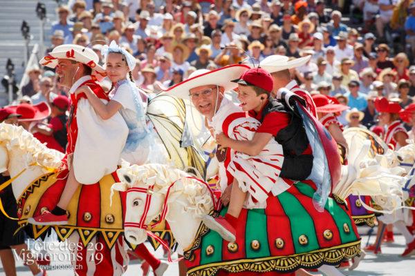 Spectacle de jour, dernière représentation - Cent pour Cent, Faux chevaux, Musiciens de la Fête, Spectacle, Spectacle jour, Voix d'enfants, Photographies de la Fête des Vignerons 2019.