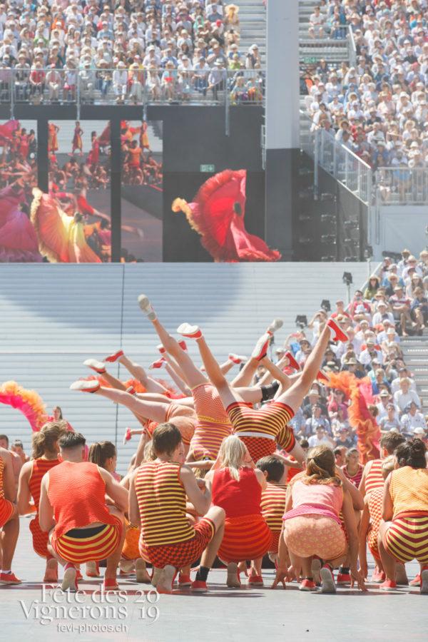 Spectacle de jour, dernière représentation - Flammes, J'arrache, Spectacle, Spectacle jour, Sport Flammes, Photographies de la Fête des Vignerons 2019.