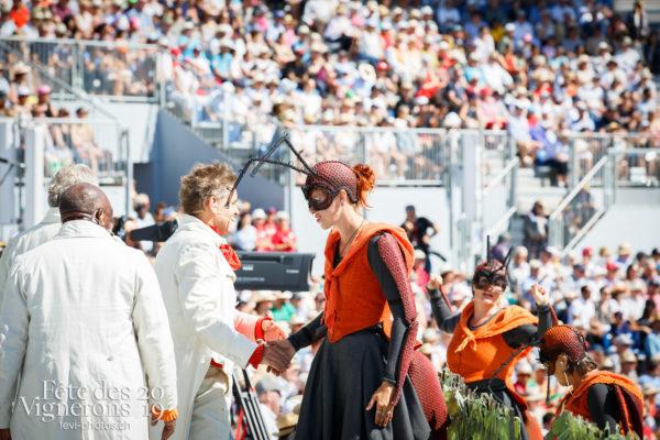 Spectacle de jour, dernière représentation - Choristes-percussionnistes, Fourmis, Percussionnistes, Sauterelles, Spectacle, Spectacle jour, Vendanges, Photographies de la Fête des Vignerons 2019.