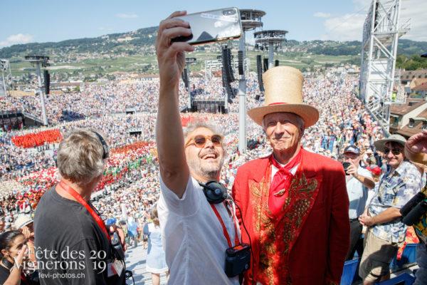 Spectacle, dernier final - Abbé Président, Daniele Finzi Pasca, Final, François Margot, selfie, Spectacle, Spectacle jour, Photographies de la Fête des Vignerons 2019.