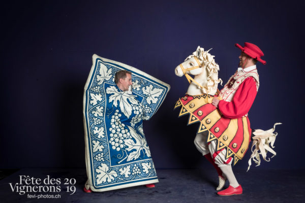 photo studio - Cartes, Cent pour Cent, Faux chevaux, Studio, Photographies de la Fête des Vignerons 2019.
