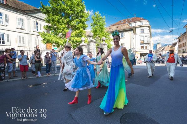 Cortège de la Confrérie - Cortège, Cortèges Confrérie, Libellule, Messagère, Petite Julie, Ville en Fête, Photographies de la Fête des Vignerons 2019.