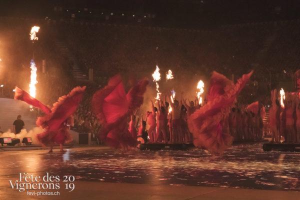 Spectacle nuit - Flammes, Spectacle, Sport Flammes, Photographies de la Fête des Vignerons 2019.