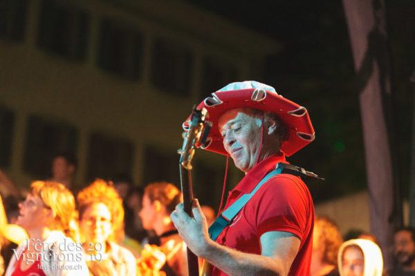 Les Vendangeurs Masqués - FAR 2019 - Cent pour Cent, Festival des artistes de rue, Ville en Fête, Photographies de la Fête des Vignerons 2019.