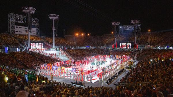 Spectacle - spectacle, trois soleils couronnement, porteurs drapeaux, arène, abbé et conseil, vignerons primés, porteurs grappes, cent suisses. Photographes de la Fête des Vignerons 2019