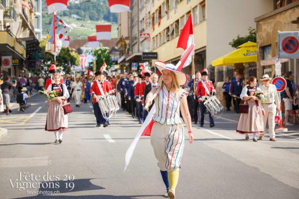 Journée cantonale, Soleure - Défilé, journee-cantonale-soleure, Journées cantonales, Porteurs drapeaux, Soleure, Photographies de la Fête des Vignerons 2019.