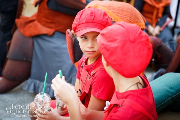 Ambiance en ville - Ambiance, Enfants protecteurs, Rue, Photographies de la Fête des Vignerons 2019.