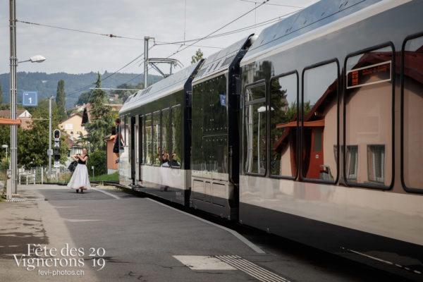 Ambiance en ville - Ambiance, Effeuilleuses, Rue, Photographies de la Fête des Vignerons 2019.