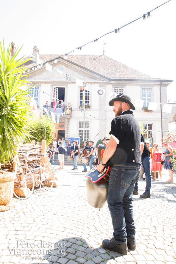 Journée cantonale, District Riviera Pays d'En Haut - Cortège, District Riviera Pays d'En Haut, Journées cantonales, sonneurs-de-cloches-de-rougemont, Un jour au Paradis, Photographies de la Fête des Vignerons 2019.
